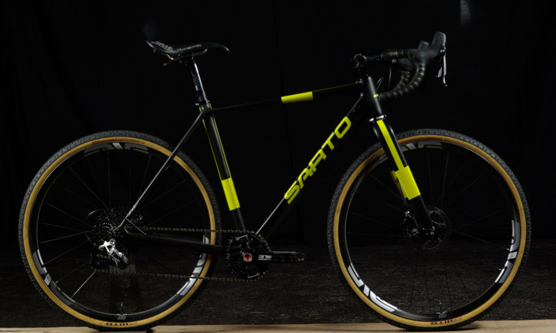 sarto-gravel-yellow-black-sram-enve